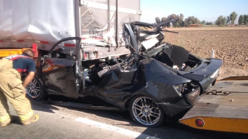 Fallecen dos hombres en choque sobre carretera rumbo a San Luis(Cortesía)