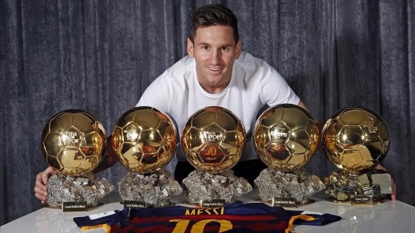 Messi asegura no sentirse favorito al Balón de Oro.(Twitter)