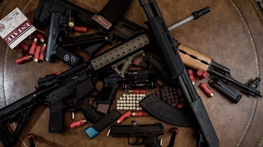 Policías participan en mercado negro; venden y compran armas ilegales