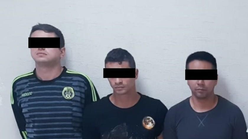 Los detenidos son cuatro personas de origen colombiano, entre ellos una mujer, así como un hombre de Jalisco y una mujer originaria de la Ciudad de México.
