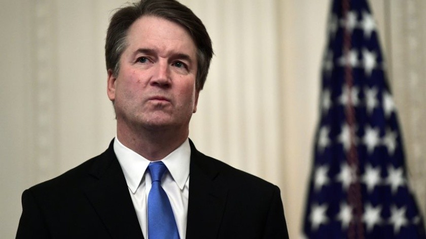 Por lo menos tres precandidatos demócratas a la presidencia de Estados Unidos pidieron la destitución del magistrado de la Corte Suprema Brett Kavanaugh.(AP)