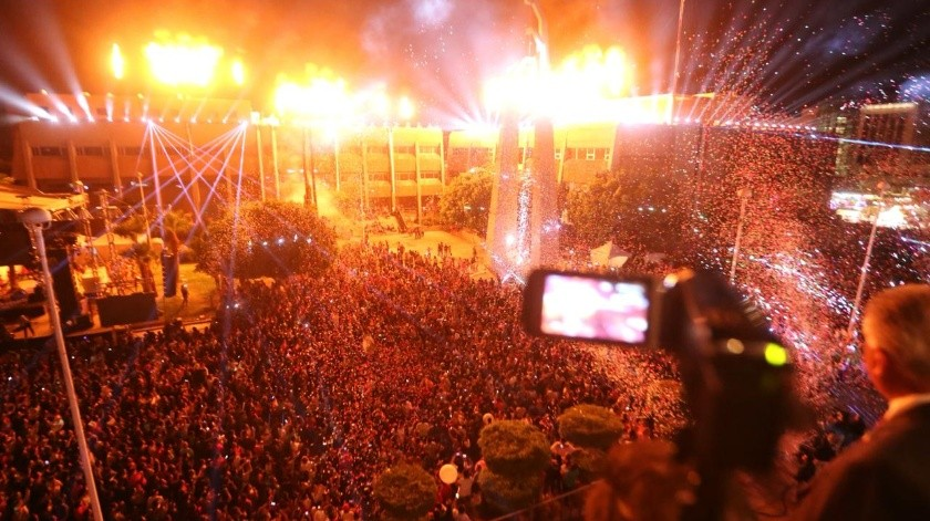 Celebran miles en fiesta del Grito de Independendia en Mexicali(Alberto Rosales)