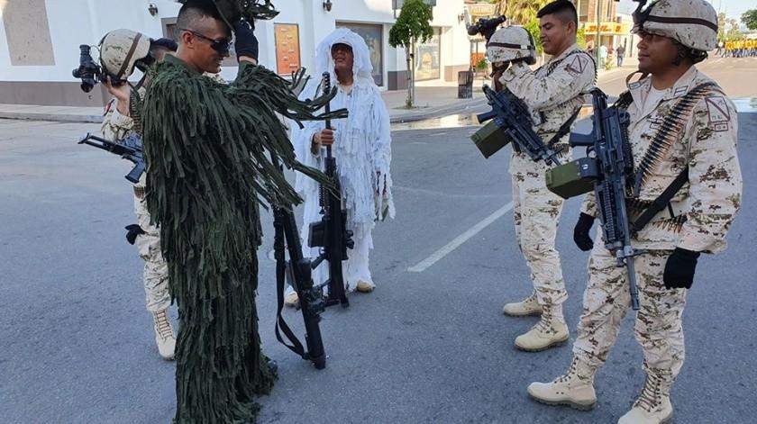 Hermosillo: Desfile Cívico-Militar por el aniversario de la Independencia de México