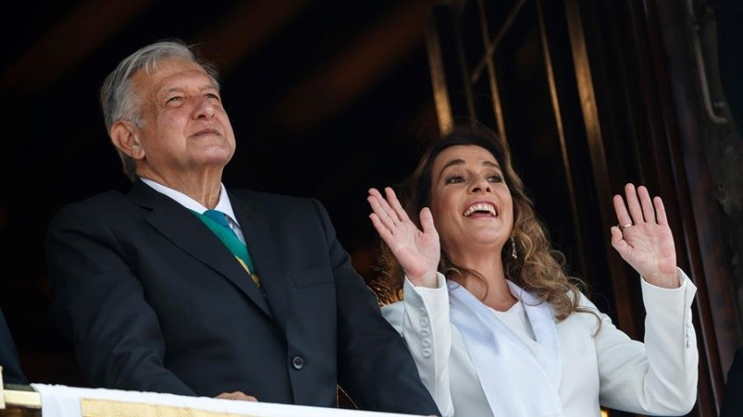 Viste Beatriz Gutiérrez austera para las fiestas patrias(EFE)