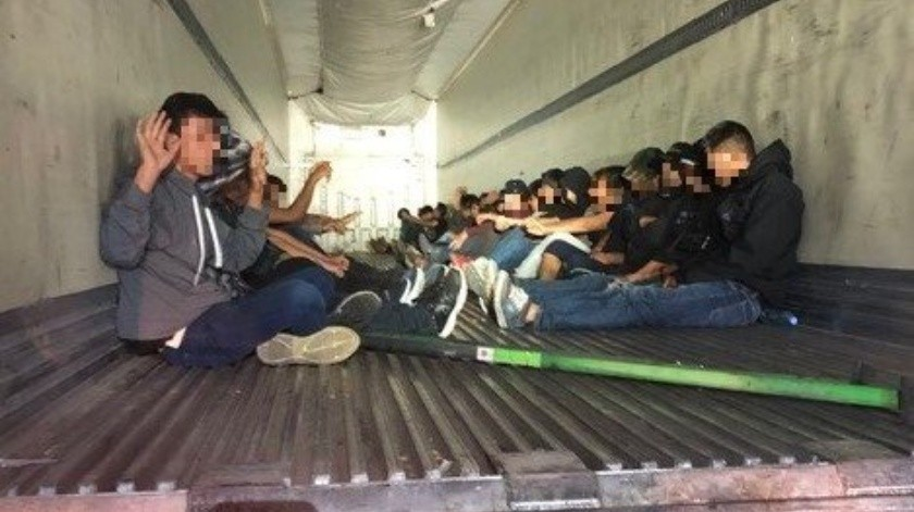 31 migrantes que viajaban en tráiler son detenidos en Arizona(Twitter @WhiteHouse)