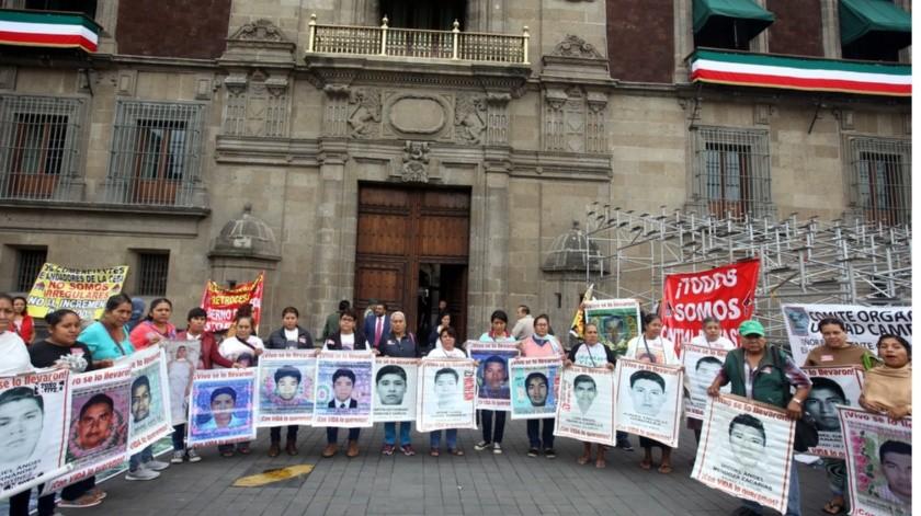 Informe de amplitud para padres del caso Ayotzinapa pedirá Andrés Manuel a FGR(Agencia Reforma)