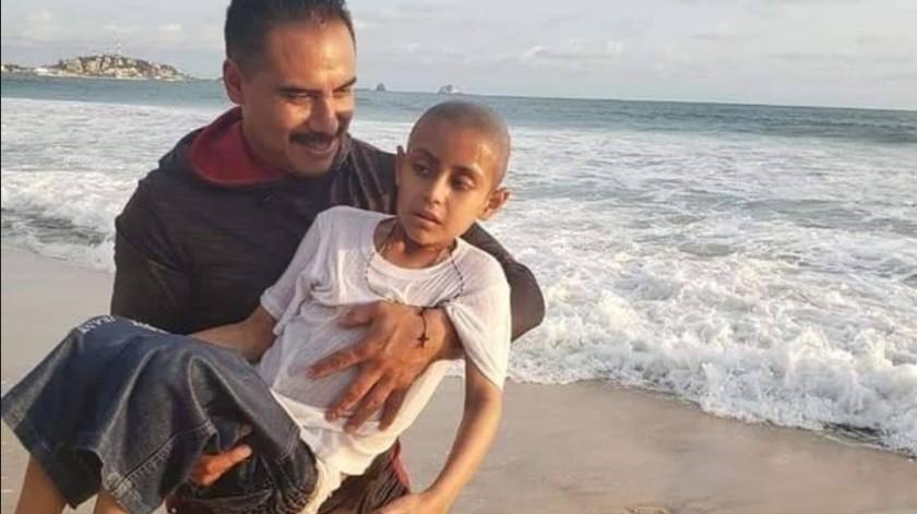 Muere Jonathan a causa del cáncer tras conocer mar de Mazatlán(Twitter)