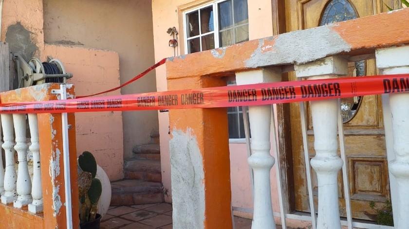 """Un hombre que regresó a su domicilio después de estar fuera de la ciudad encontró un """"narcolaboratorio"""" en una de las habitaciones hoy por la mañana en Playas de Tijuana.(Margarito Martínez)"""