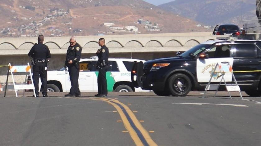 El Delegado de la Cámara Nacional de Autotransporte de Carga (Canacar) en Tijuana , Israel Delgado Vallejo, informó que desde las 13:30 de este miércoles 18 de septiembre, se paralizó el tráfico para la internación de camiones con mercancías hacia la Unión Americana.(Sergio Ortíz)