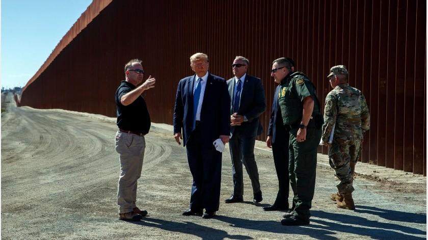 """El presidente de Estados Unidos, Donald Trump, insistió ayer en la necesidad de un tramo de más de 800 kilómetros de muro fronterizo para atajar lo que considera """"una tremenda emergencia nacional""""."""