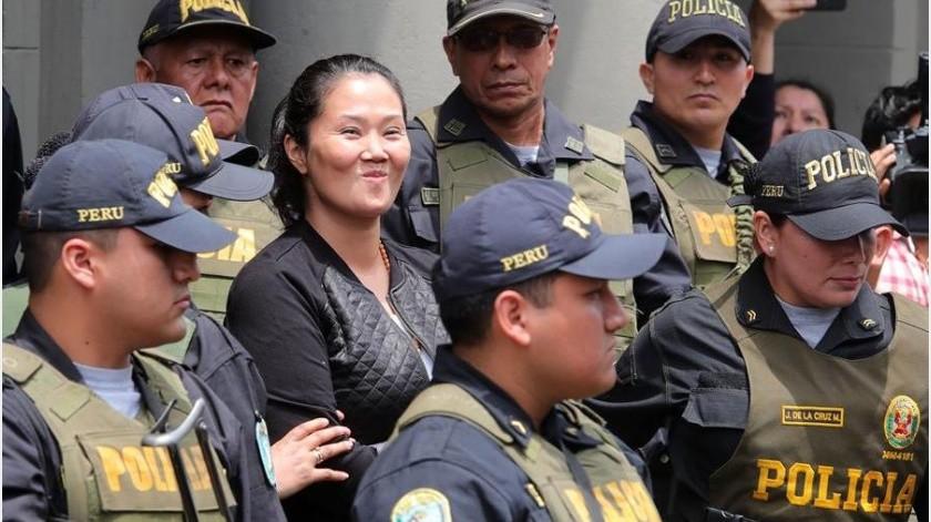 Precisamente el TC tiene pendiente estudiar la próxima semana un recurso para evaluar la idoneidad de la prisión preventiva de Keiko Fujimori.(EFE)