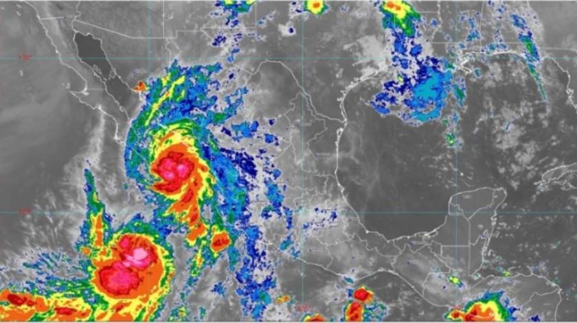 """Lorena"" se vuelve convertir en huracán cerca de la península de Baja California(Conagua)"