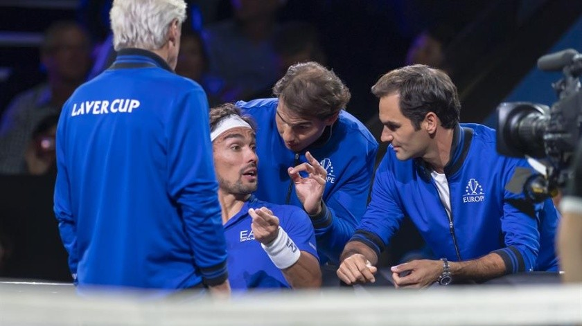 """¡Consejos de lujo! Federer y Nadal se hacen """"entrenadores"""" en pleno partido(EFE)"""