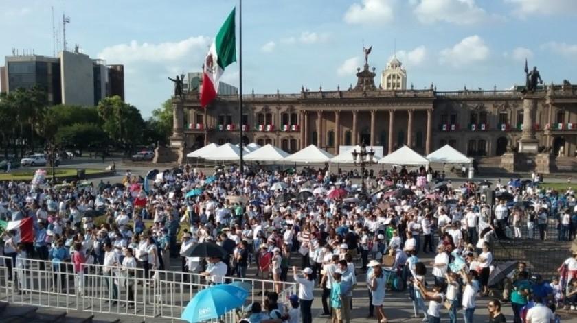 Contra el aborto se manifiesta  Frente Nacional por la Familia  en Nuevo León(Especial)