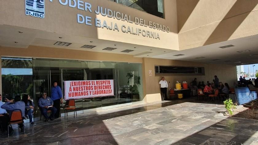 Se manifiestan burócratas del Poder Judicial(Andrea Jiménez)