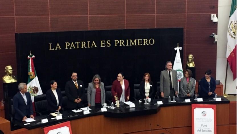 Divertidos infográficos sobre leyes que analiza el Senado de México