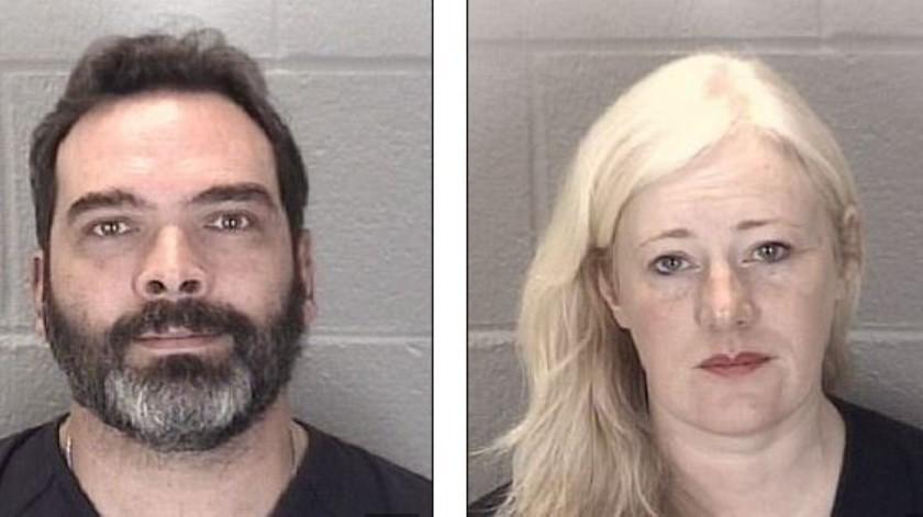 En su defensa, la pareja dijo que la joven era una sociópata adulta que se hacía pasar por niña y que trató de matarlos.
