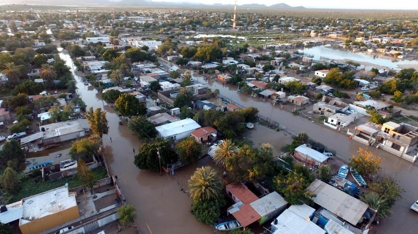 Toma aérea con el Impardron del barrio De la Cruz y otras colonias que se vieron afectadas en Bahía de Kino Viejo por las abundantes lluvias.(Julián Ortega)