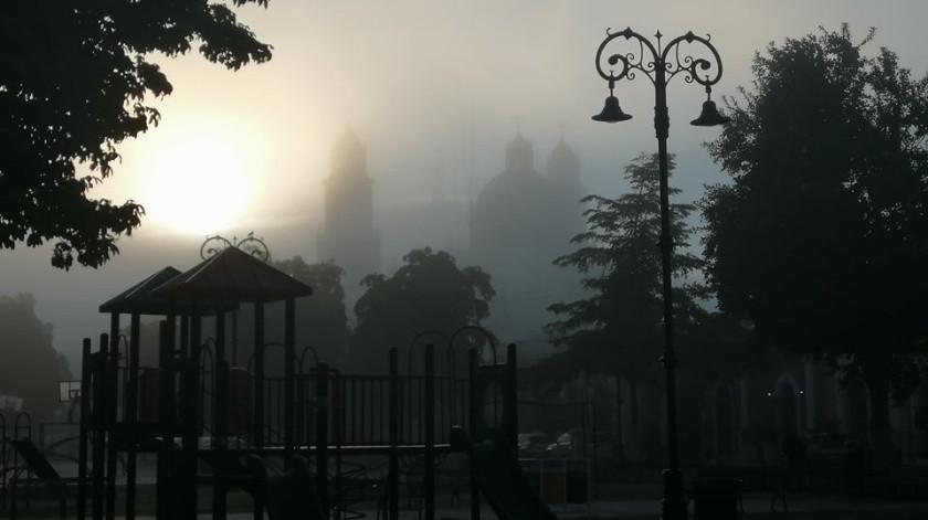 Cubierto de neblina, así lucióla mañana de este viernes en la zona Centro y Sur de Hermosillo.