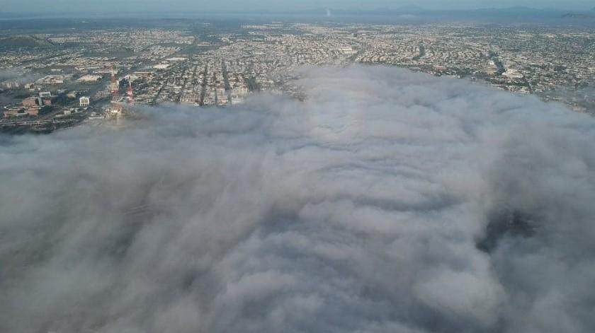 Cubierto de neblina, así lucióla mañana de este viernes en la zona Centro y Sur de Hermosillo.(Foto: Omar Gustavo Córdova/Colaborador)