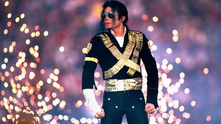 Michael Jackson en el medio tiempo de la NFL.