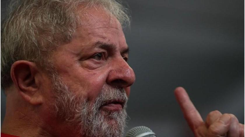 Sobre Lula ya pesa otra condena a otros 12 años y 11 meses de cárcel en un caso de corrupción similar, pero dictada hasta ahora en primera instancia y aún no confirmada en la segunda.(EFE)