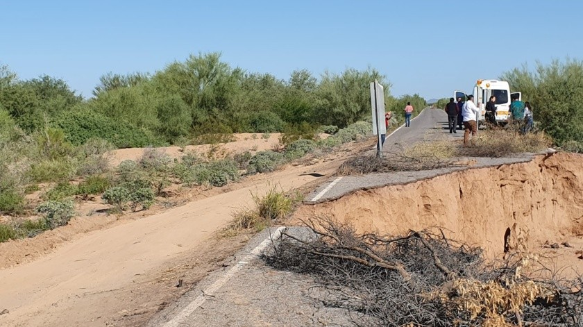 """Carretera a Puerto Libertad destrozada por """"Lorena""""(Tanya Vásquez)"""