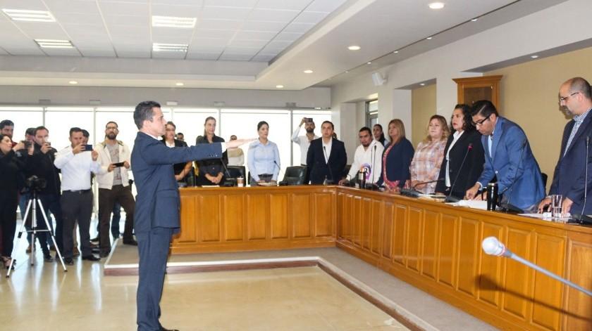 El alcalde Armando Ayala Robles tomó la protesta de ley al nuevo funcionario.