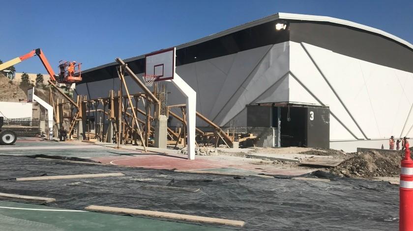La Academia Zonkeys que se encuentra dentro de las instalaciones dentro de la Unidad Deportiva Unisantos sigue en crecimiento, el objetivo es llegar a nueve canchas de básquetbol, seis de fútbol, así como ser sede de un centro de espectáculos que llegará a tener una capacidad de 3 mil personas.(Johanna Mejía)