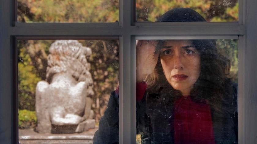 """Escena de la serie """"La casa de las flores"""" con la actriz Cecilia Suárez(EFE)"""