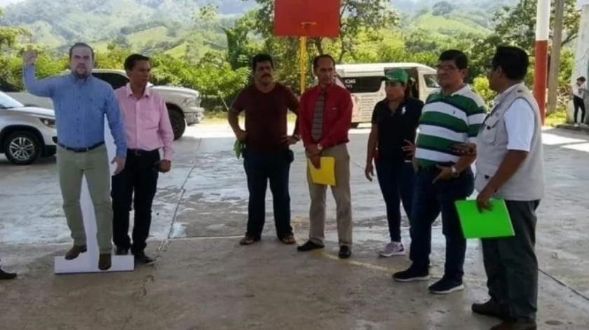 Utilizan fotografía tamaño real de alcalde durante evento en Chiapas(Especial)