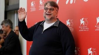Del Toro nació el 9 de octubre de 1964 en Guadalajara, Jalisco.