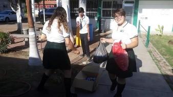 Alumnos del CBTA 197 recolectaron tapitas para donarlas.