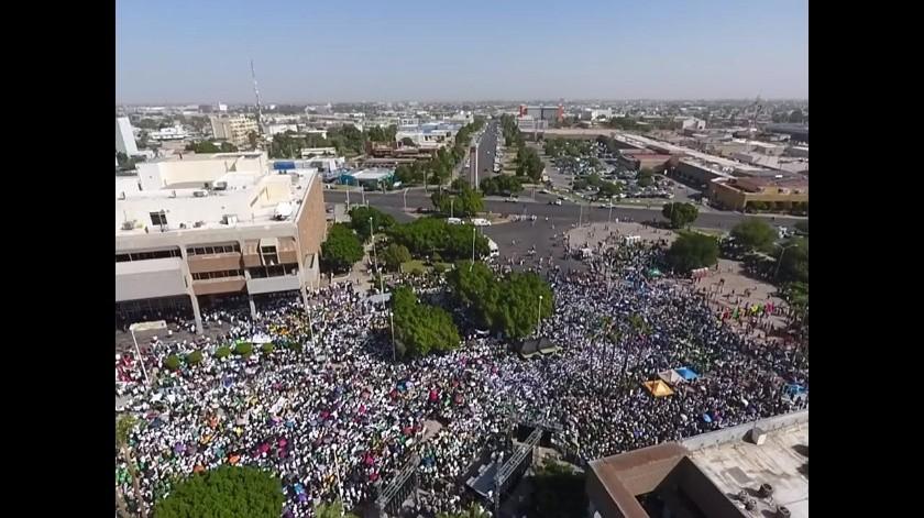 Más de 35 mil en la marcha para exigir pago a la UABC(Archivo)