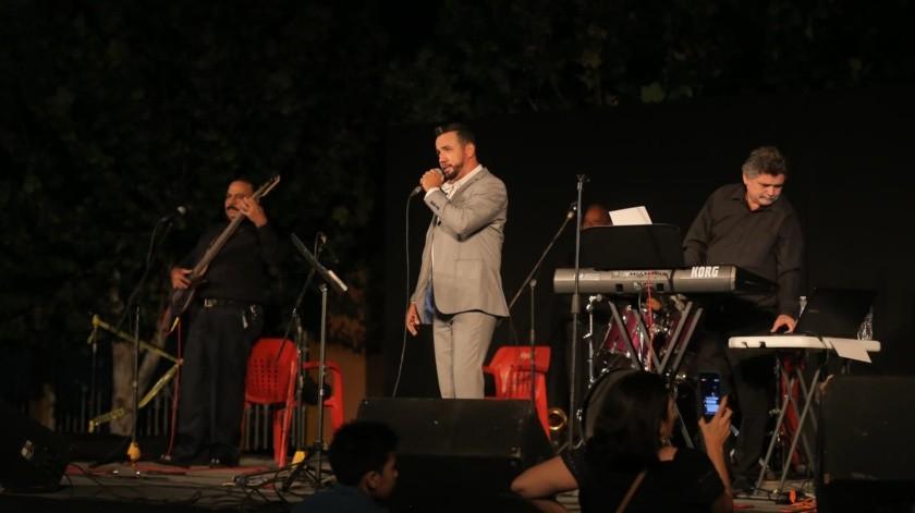 """Sonorense Ignacio Quijada presenta """"Añoranzas del ayer""""(Eleazar Escobar)"""