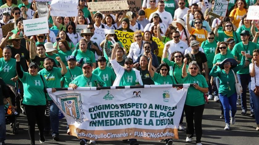 Resuena marcha Cimarrona en Mexicali(José María Cárdenas)