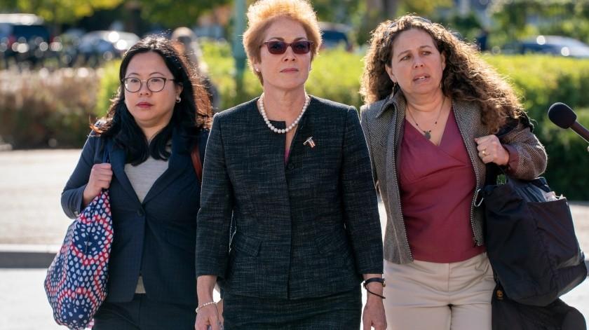 La diplomática Marie Yovanovitch testificó ante los tres comités de la Cámara Baja.(AP)