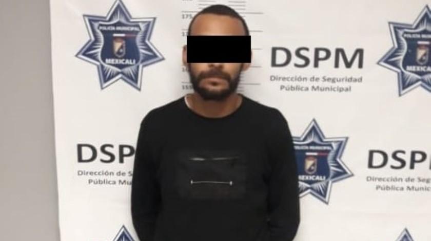 Armado y con orden de arresto capturan a hombre en la Baja California(Cortesía)