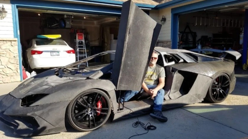 Padre e hijo de 11 años imprimen un Lamborghini Aventador en 3D(Sterling Backus)