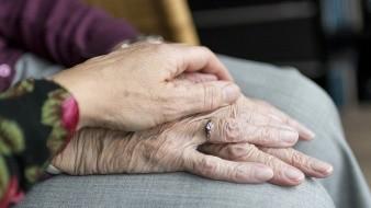 Morena impulsará un incremento en el monto de la pensión para adultos mayores y para personas con discapacidad para 2020, para actualizarlas 3%, conforme a la inflación prevista el próximo año.