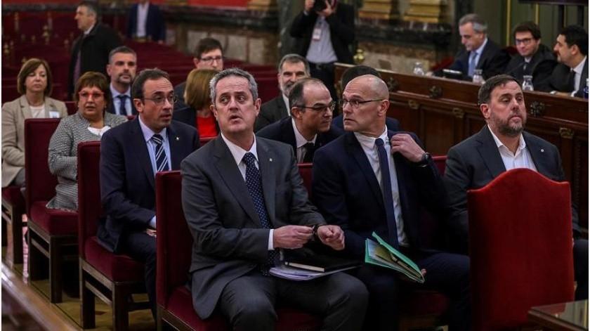 Los siete jueces apoyaron por unanimidad la sentencia condenatoria por sedición y malversación de fondos públicos, pero descartaron el delito más grave de rebelión.(EFE)
