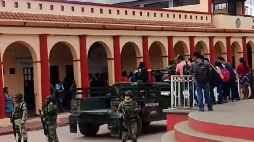 Con disparos retienen a regidora y secretario en Chiapas(Especial)