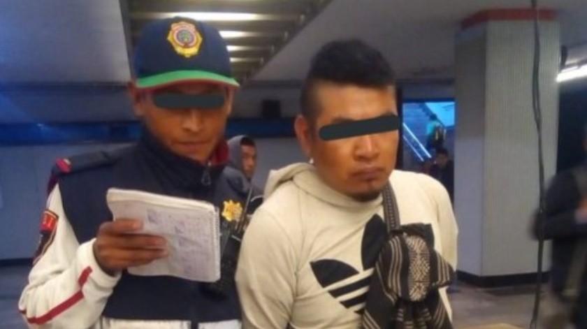 Hombre eyacula sobre dos mujeres en el Metro; lo encaran y lo detienen