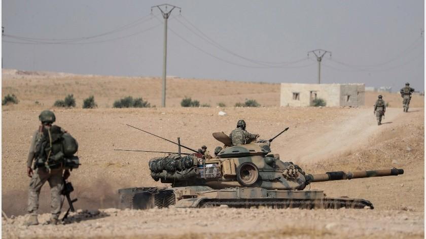 A pesar de las movilizaciones de Siria y Rusia, Turquía insistió en que capturaría Manbij.(AP)
