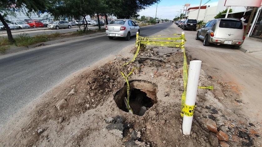 En bulevar Libertad y calle Lauro Gálvez, en la colonia Villa Hermosa quedó de esta forma un hoy, luego de  realizar una reparación en la tubería.(Gamaliel González)