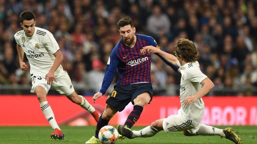 La Liga buscará cambiar sede del Clásico Barça-Madrid.(Twitter)