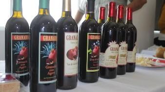 Productores de la zona costa de Baja California han incursionado en la producción de licor de granada, con la finalidad de ofrecer un producto adicional a los vinos que se producen en la región.