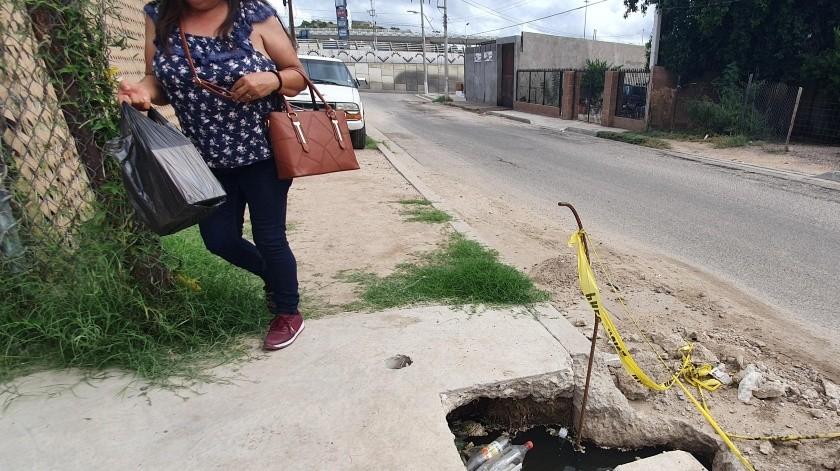 Preocupa a vecinos fuga de drenaje