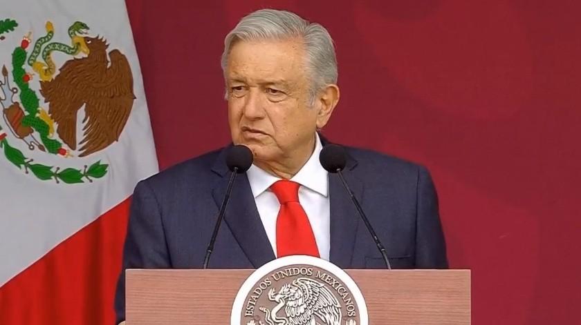 Andrés Manuel López Obrador dio banderazo para Santa Lucía.