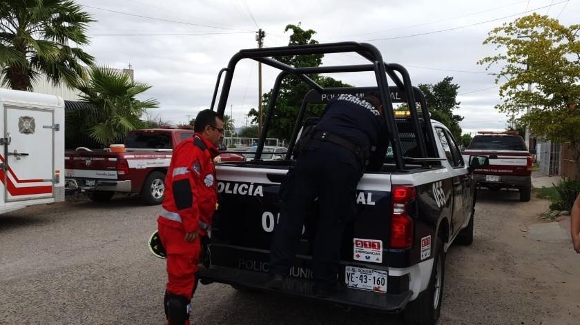 Con cámaras y escuadrón de rescate de CDMX, sigue búsqueda de hombre en socavón(Julián Ortega)